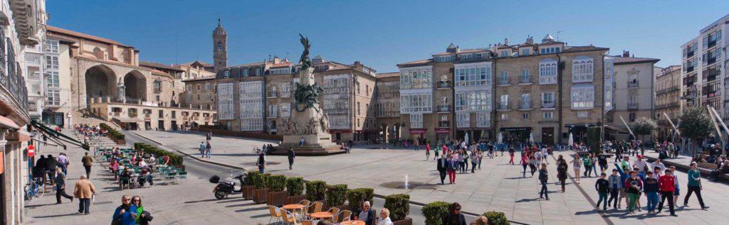 Plaza Virgen Blanca en regata globos Vitoria-Gasteiz