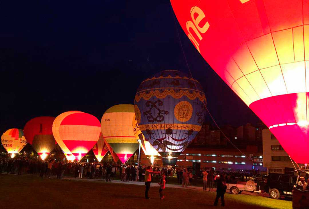 Night Glow festival globos vitoria