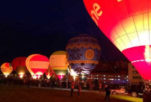 Night Glow festival globos vitoria